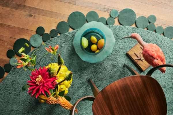 Floor Jewels Formation - vloerkleed groen - een design vloerkleed door Roelfien Vos en Van Besouw - Urban Jungle - woontrends 2021 - interieur trend 2021